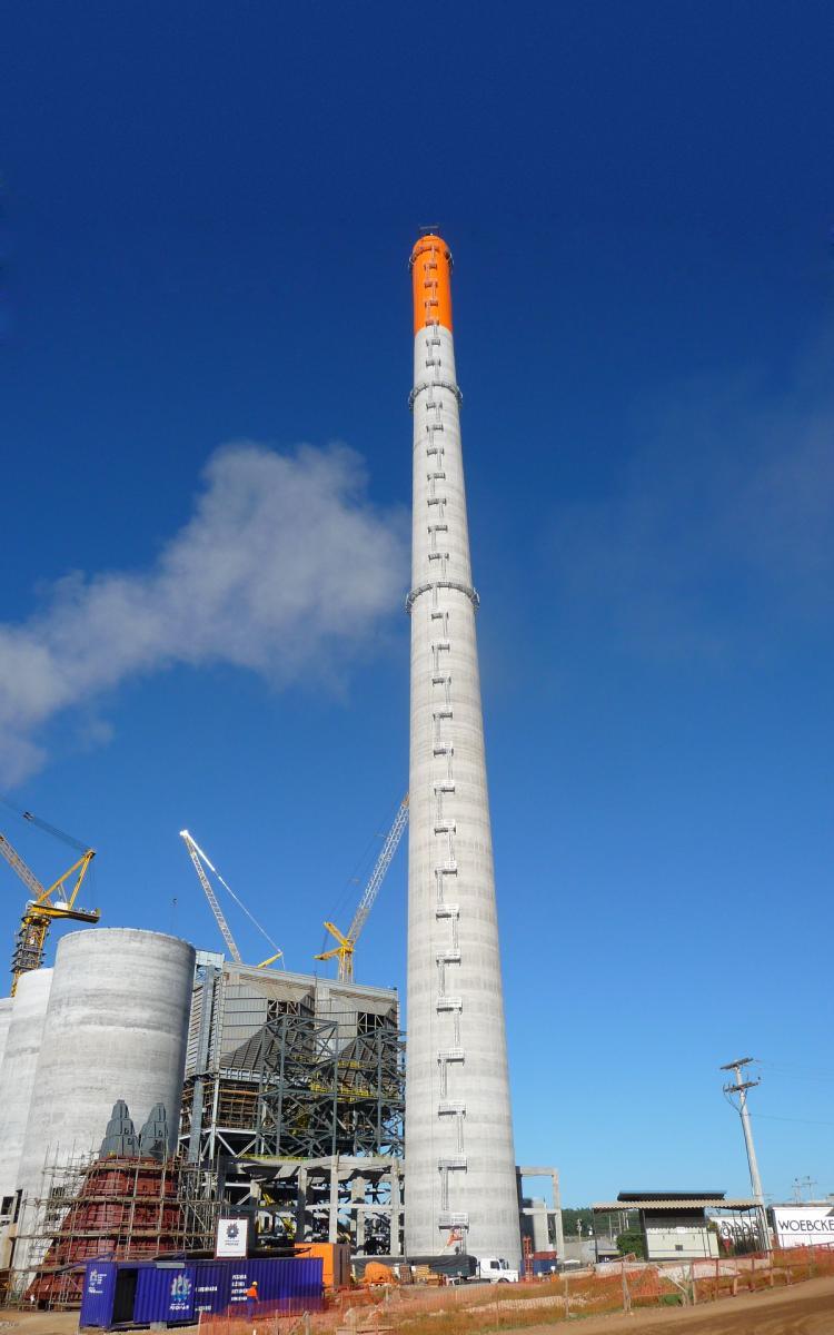 Usina Termoelétrica - Presidente Médici - Chaminé com 200 metros de altura